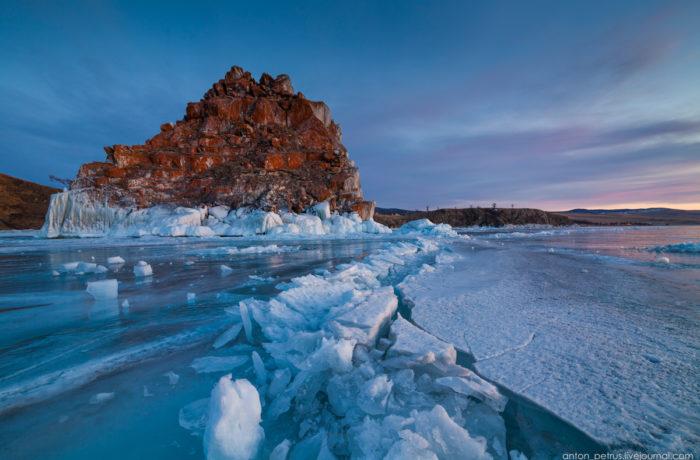 Туры по льду Байкала